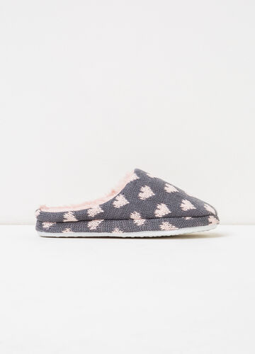 Slippers with heart pattern