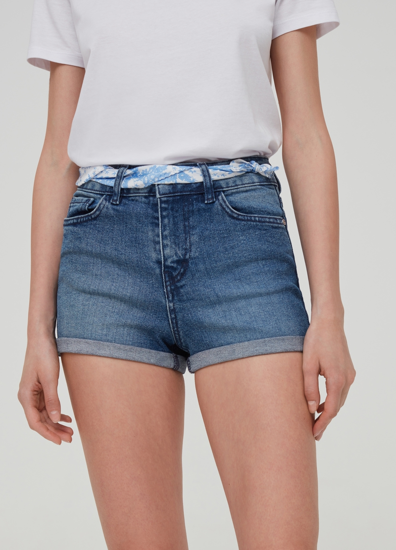 Denim shorts with high waist and belt image number null