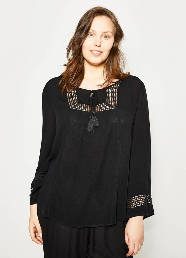 Curvy openwork blouse with tassels | OVS