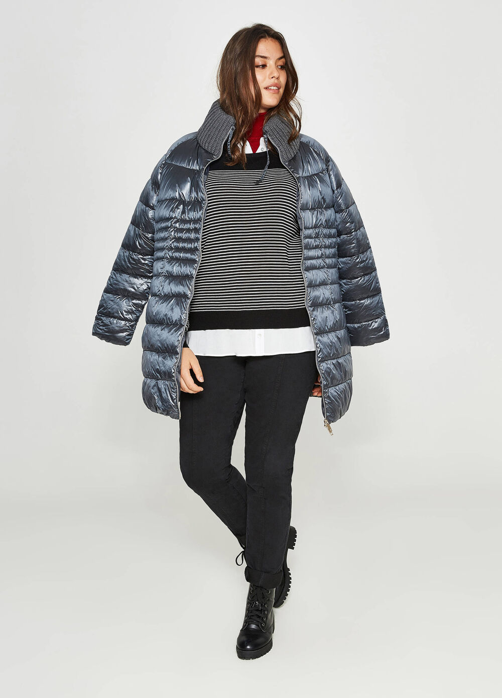 Curvy long knitted down jacket with high neck
