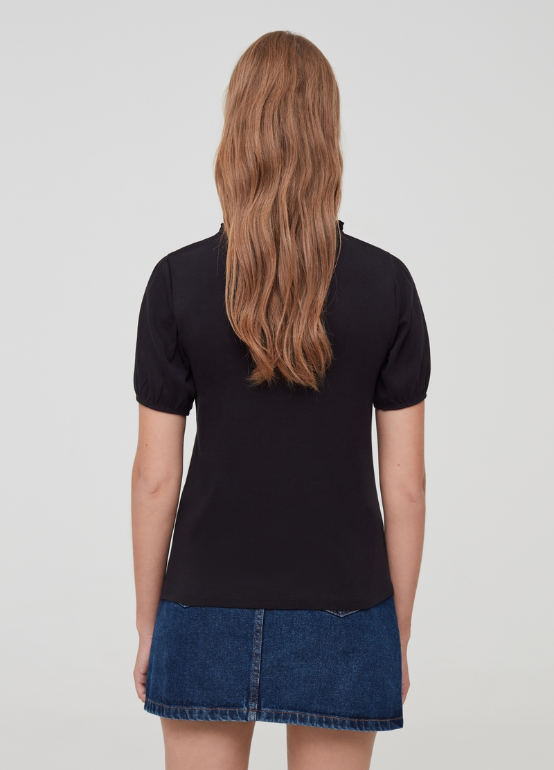 V-neck T-shirt with gathering image number null
