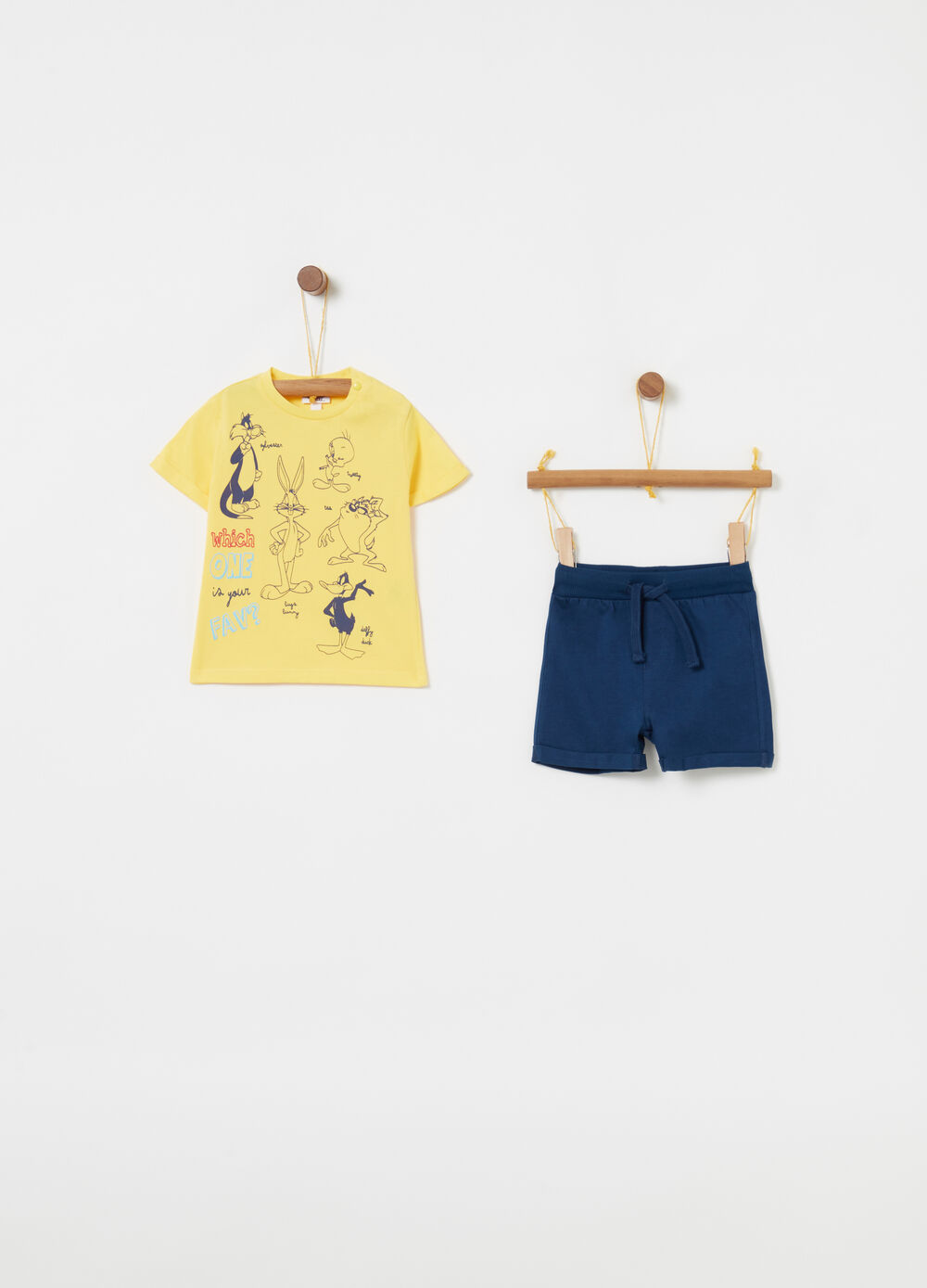 Looney Tunes T-shirt and shorts jogging set