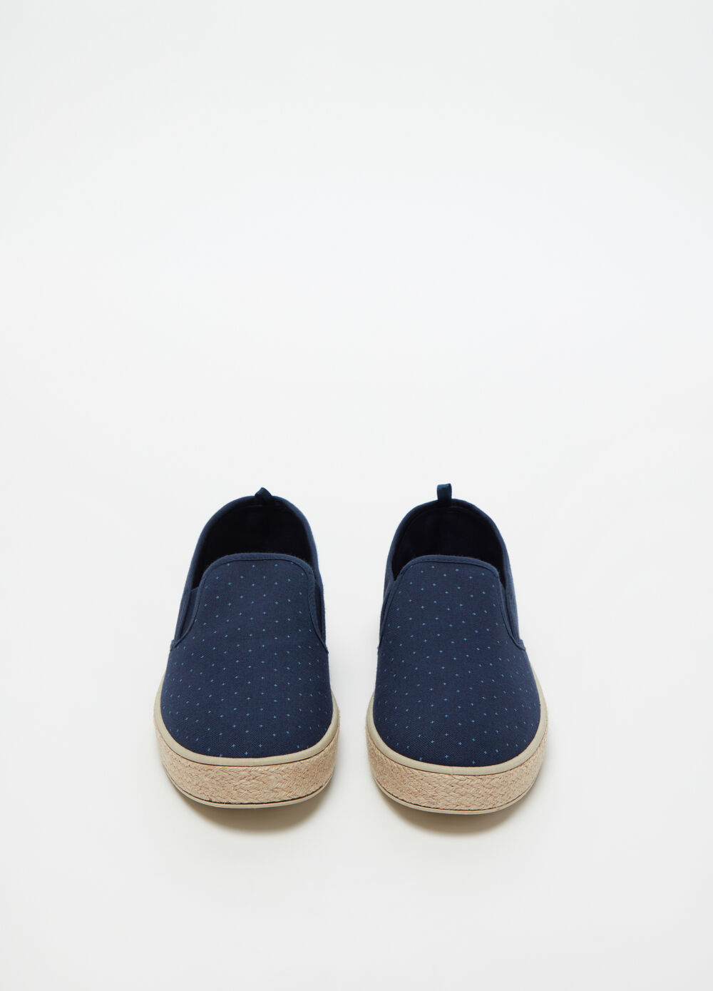 Geometric patterned slip-ons