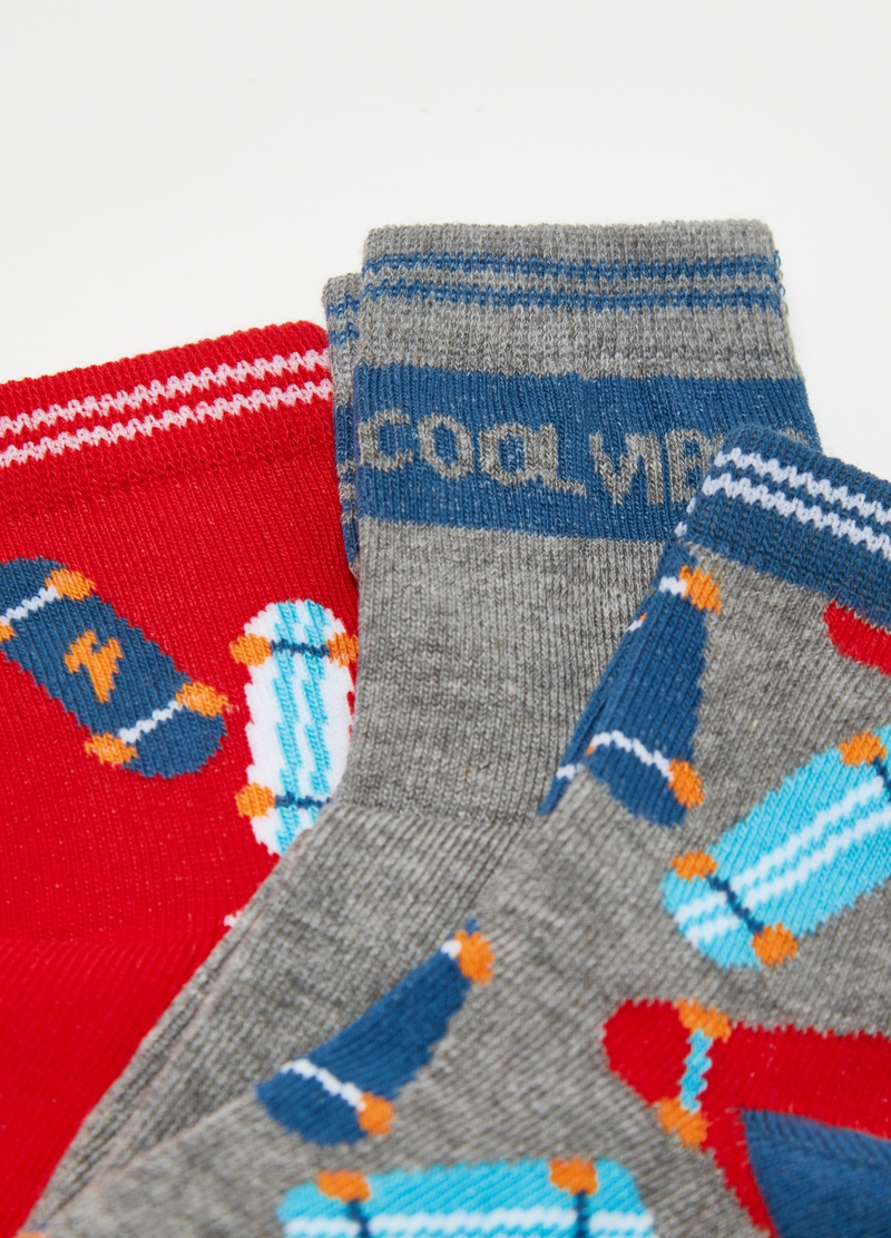 Three-pair pack short stretch socks with skateboard image number null