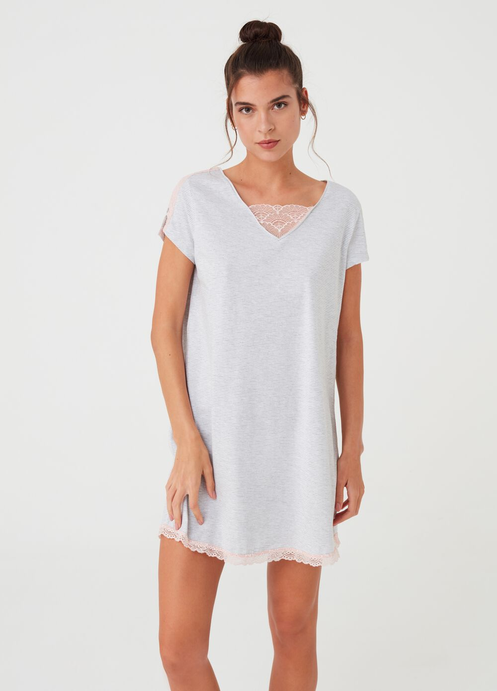 Micro-striped nightshirt with lace