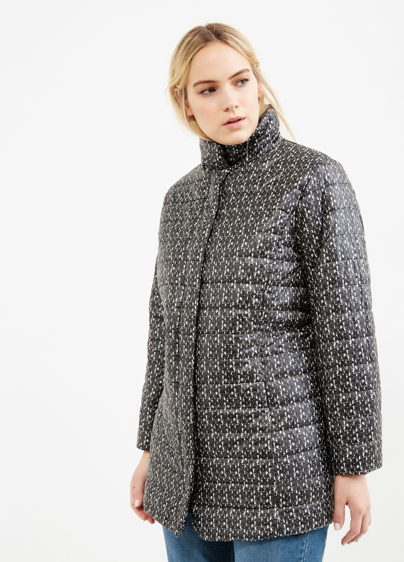 Curvy patterned down jacket with high neck image number null