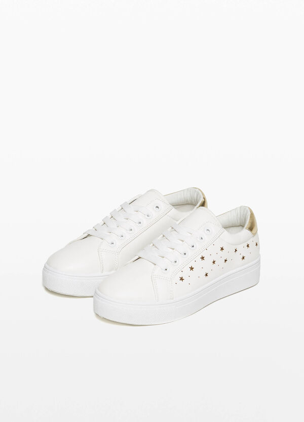 Sneakers with openwork stars