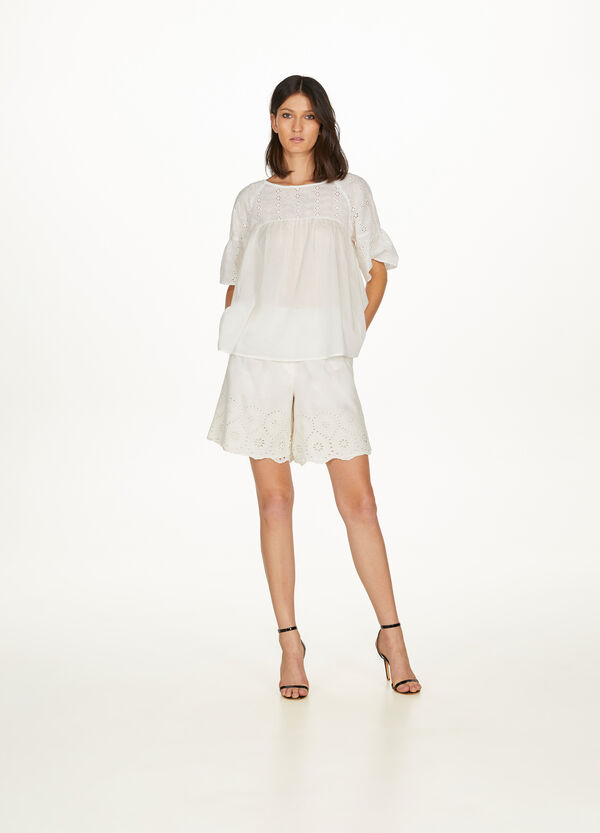 100% cotton shirt with lace