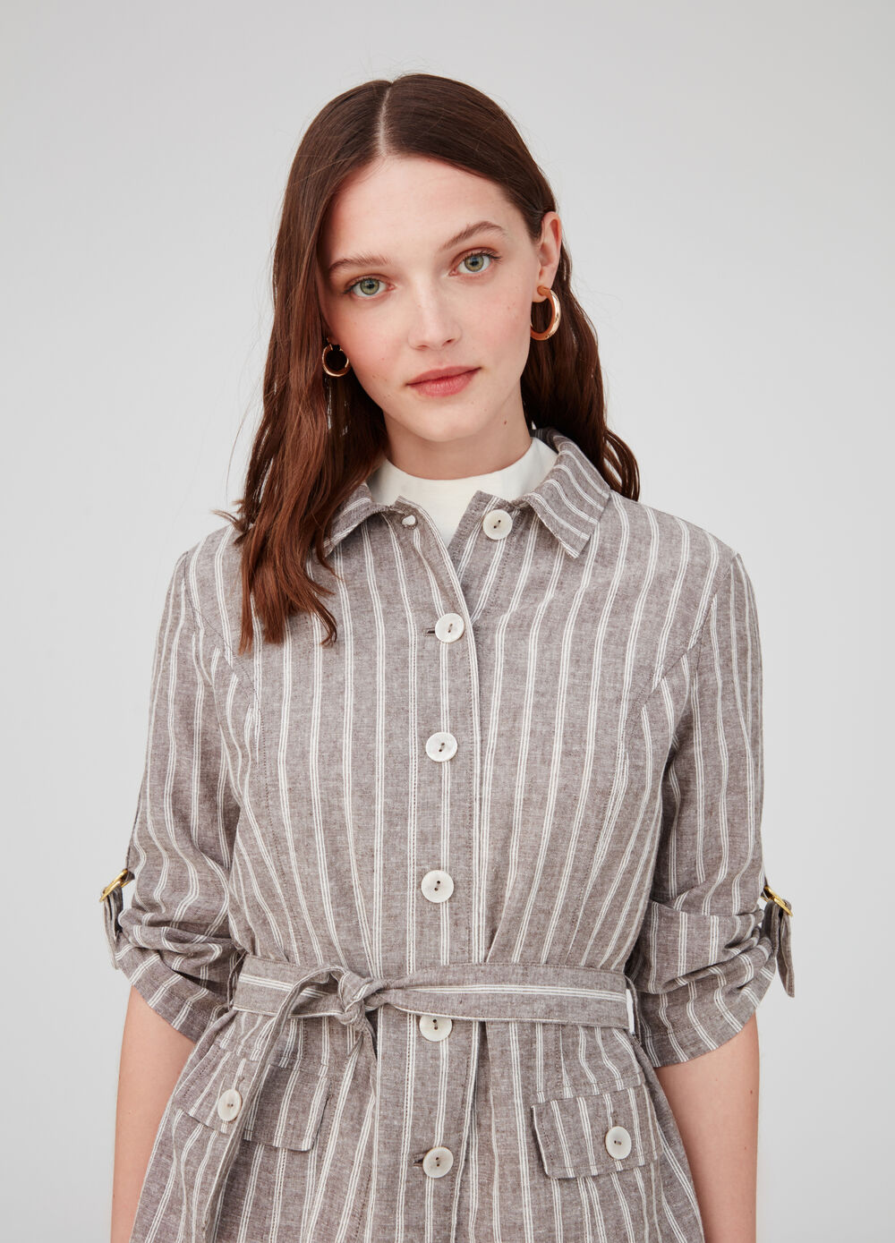 Jacket with collar, belt and striped pockets