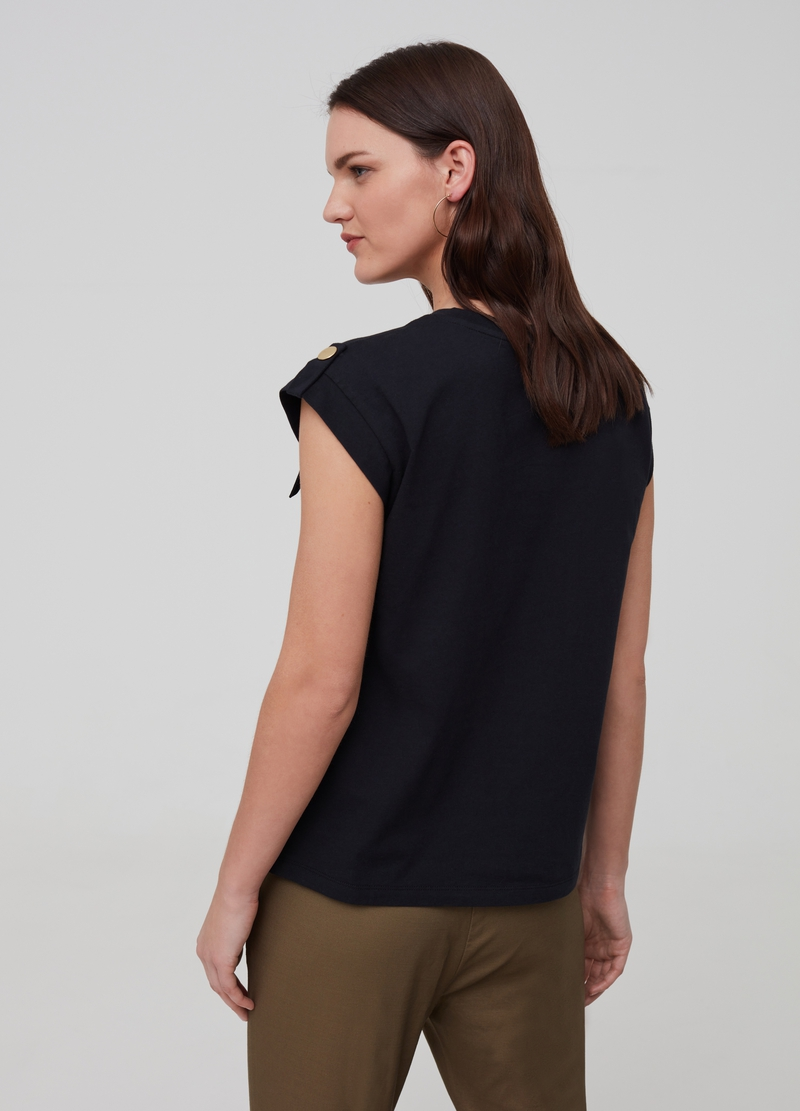 T-shirt in 100% cotton with pockets image number null