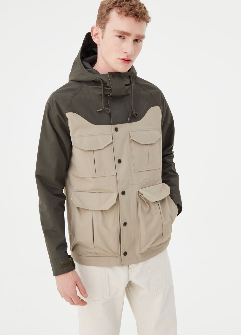 Two-tone jacket with pockets