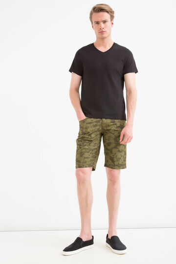 Floral patterned Bermuda shorts in 100% cotton