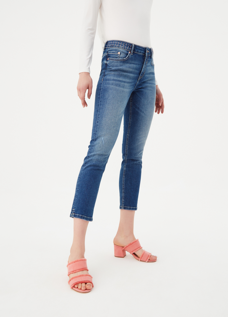 Jeans skinny fit con borchie sul cinturino image number null
