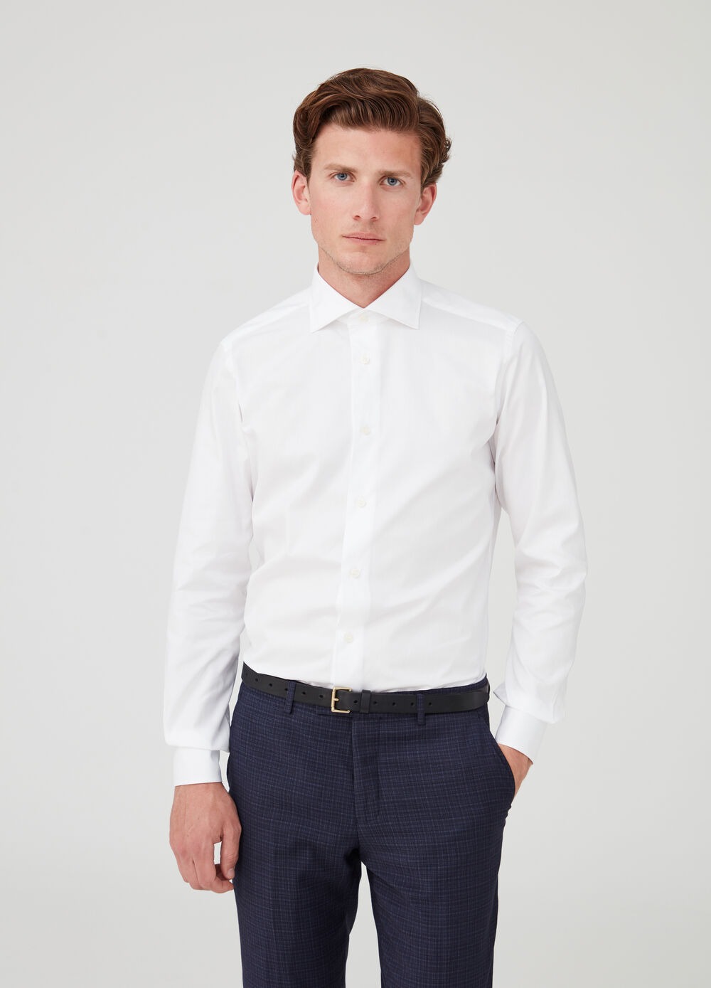 Slim-fit pin-point shirt with cut-away collar