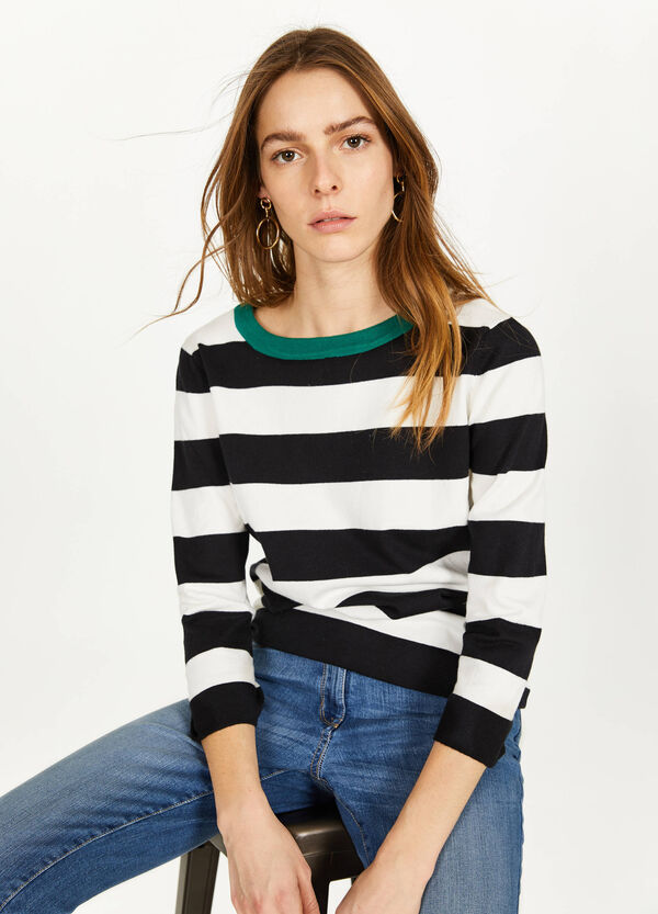 Striped pullover with tie
