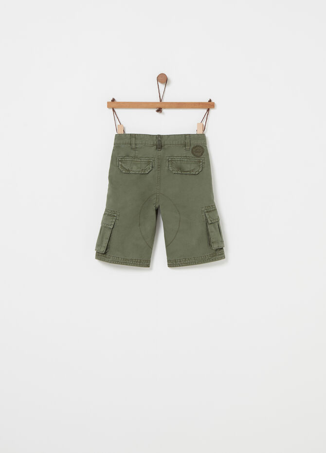 Twill cargo shorts with patch and pockets