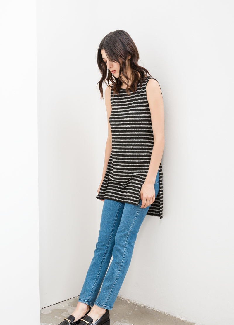 Stretch long top with striped pattern image number null
