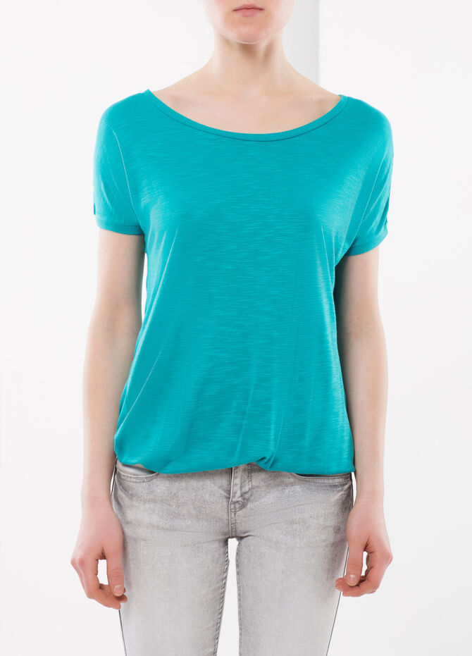 T-shirt with elastic band