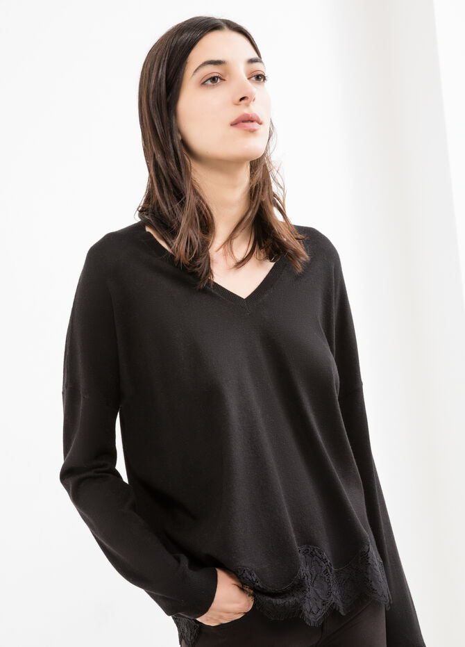 Viscose and modal blend pullover with lace