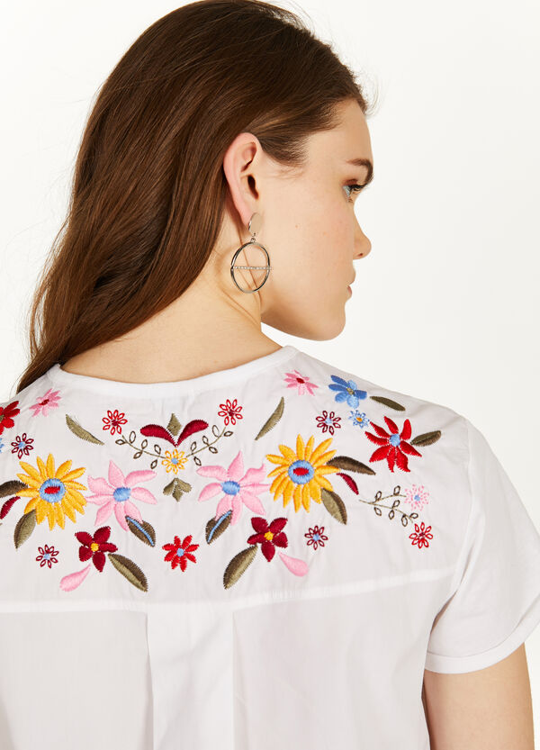 100% cotton floral T-shirt with embroidery