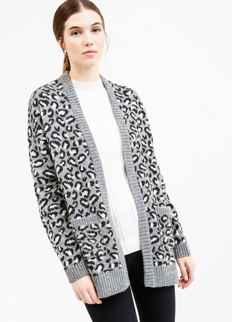 Knitted cardigan with animal pattern image number null
