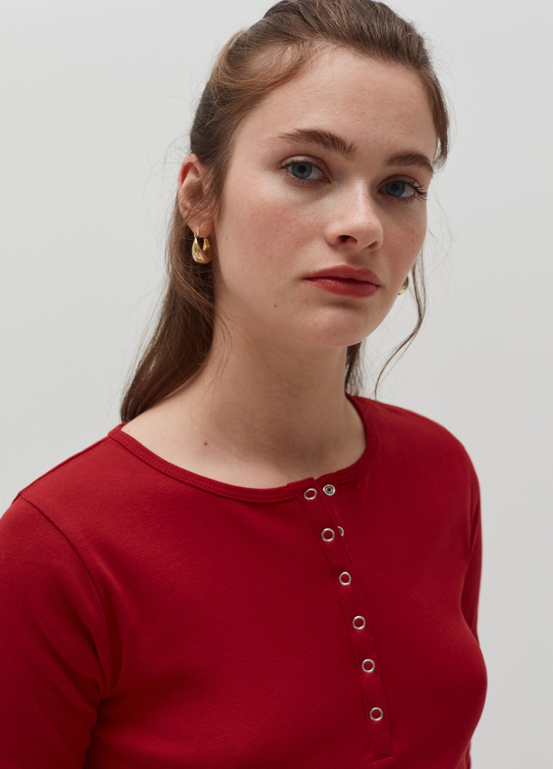 Long-sleeved T-shirt with granddad neckline. image number null