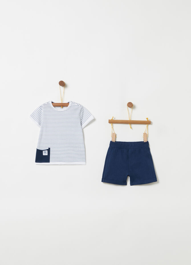 T-shirt and striped shorts with pocket jogging set
