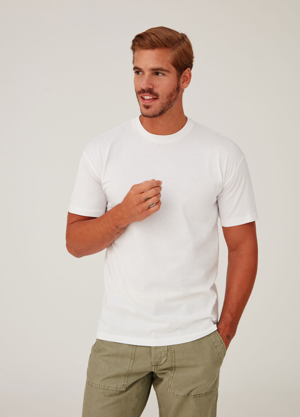 100% cotton boxy T-shirt with round neck