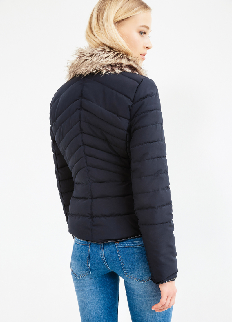 Solid colour down jacket with fur trim image number null