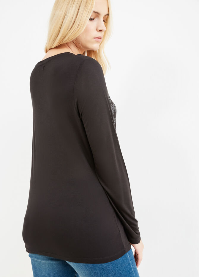 Curvy 100% viscose T-shirt with sequins