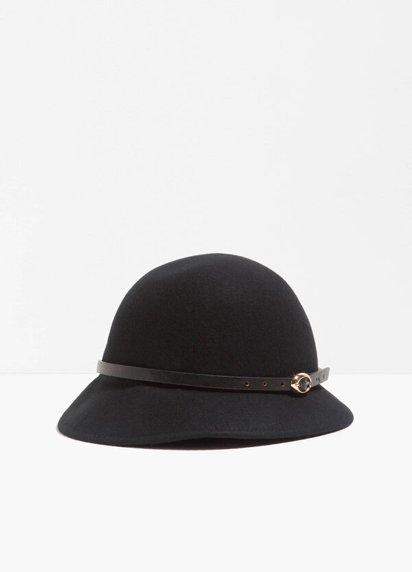 Narrow-brimmed hat with belt | OVS