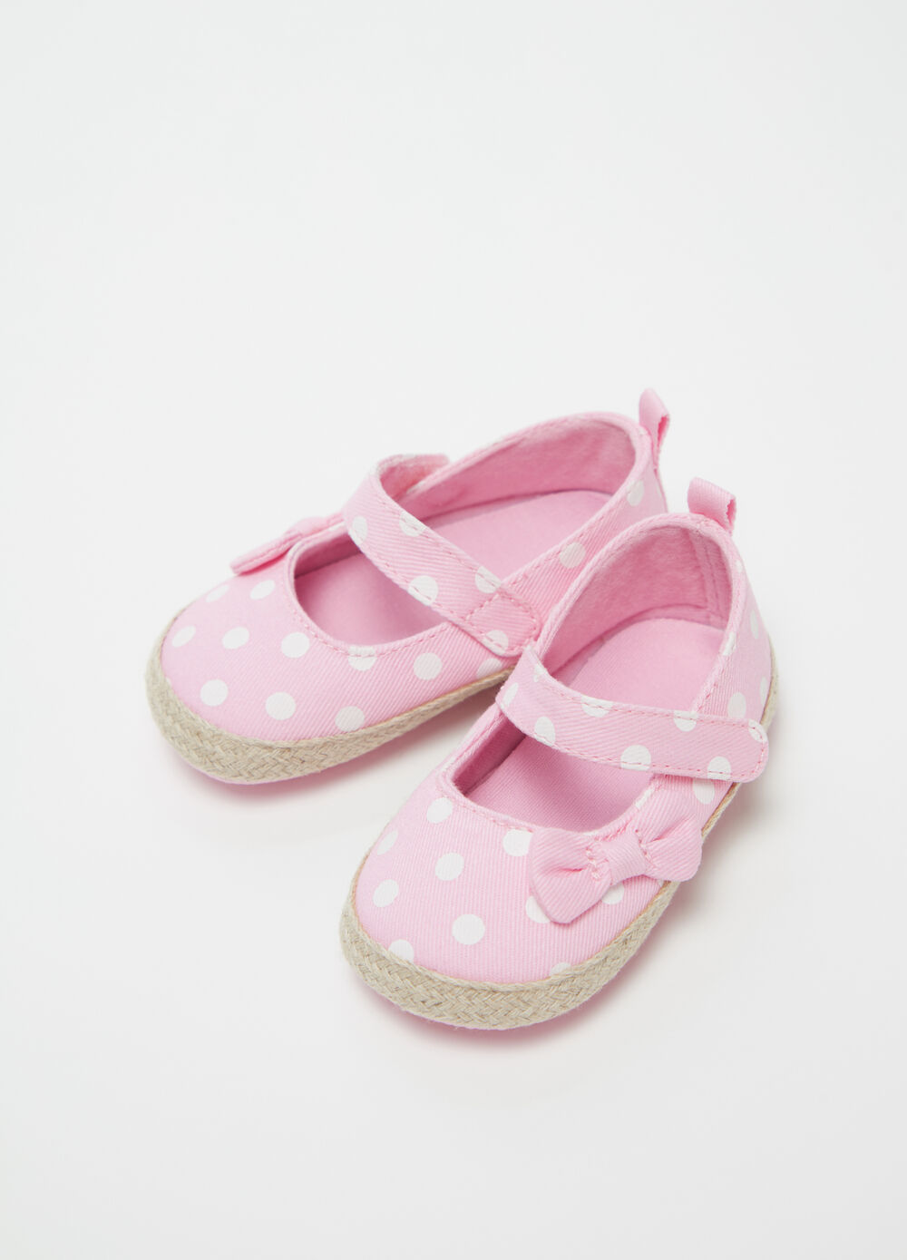 Baby shoes with polka dot bow