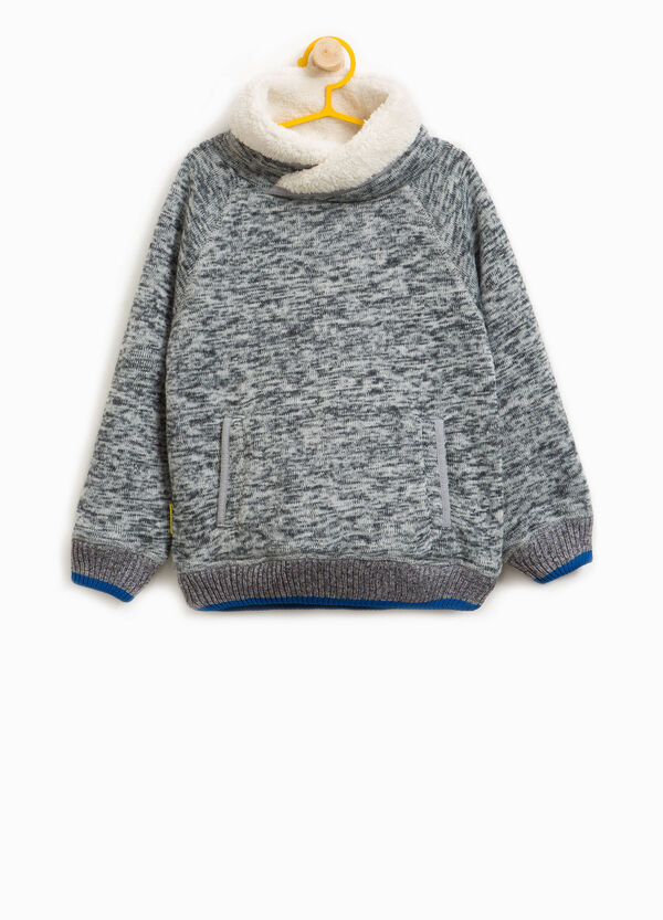 Mélange knitted pullover with faux fur