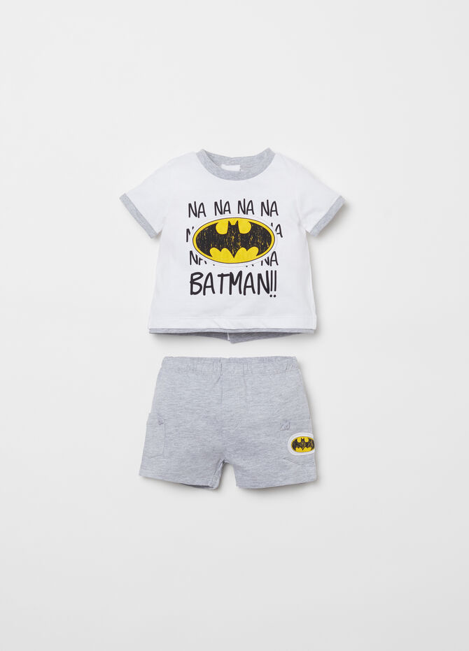 T-shirt and shorts set with Batman applications