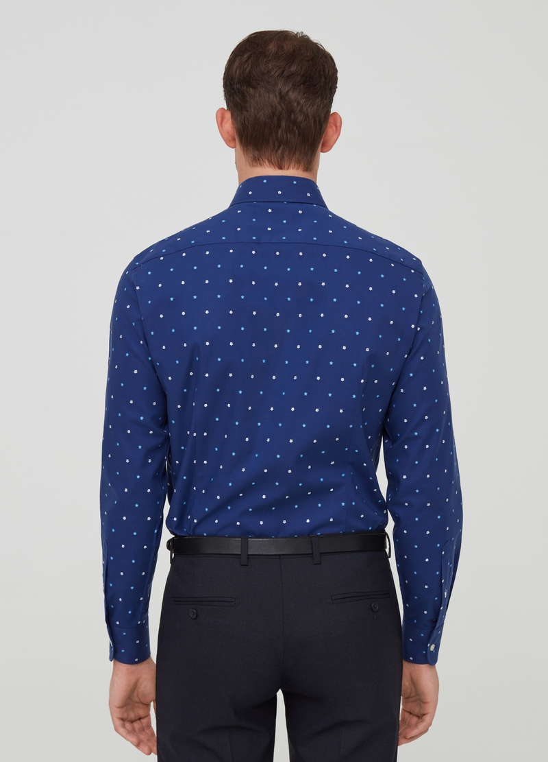 100% cotton slim-fit shirt with small flowers pattern image number null