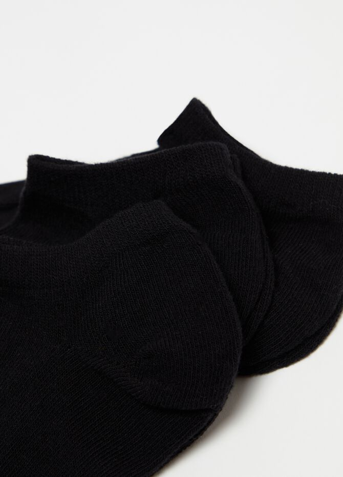 Three-pair pack stretch ankle socks with ribbing