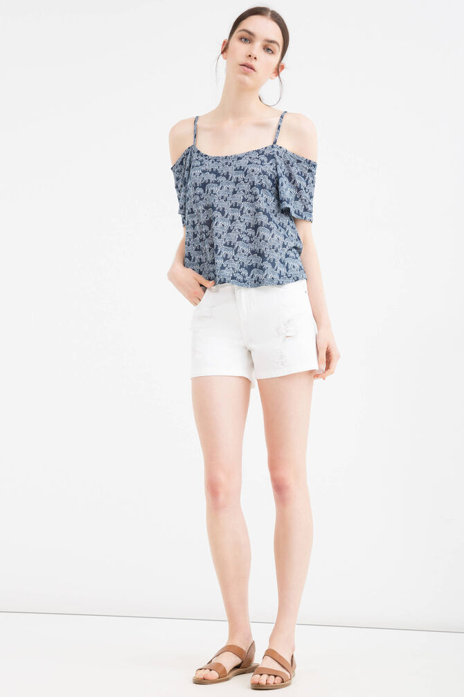 Shorts in 100% cotton with rips