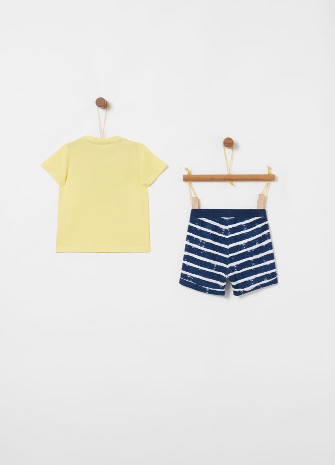 Jogging set with T-shirt and shorts with stripes and print