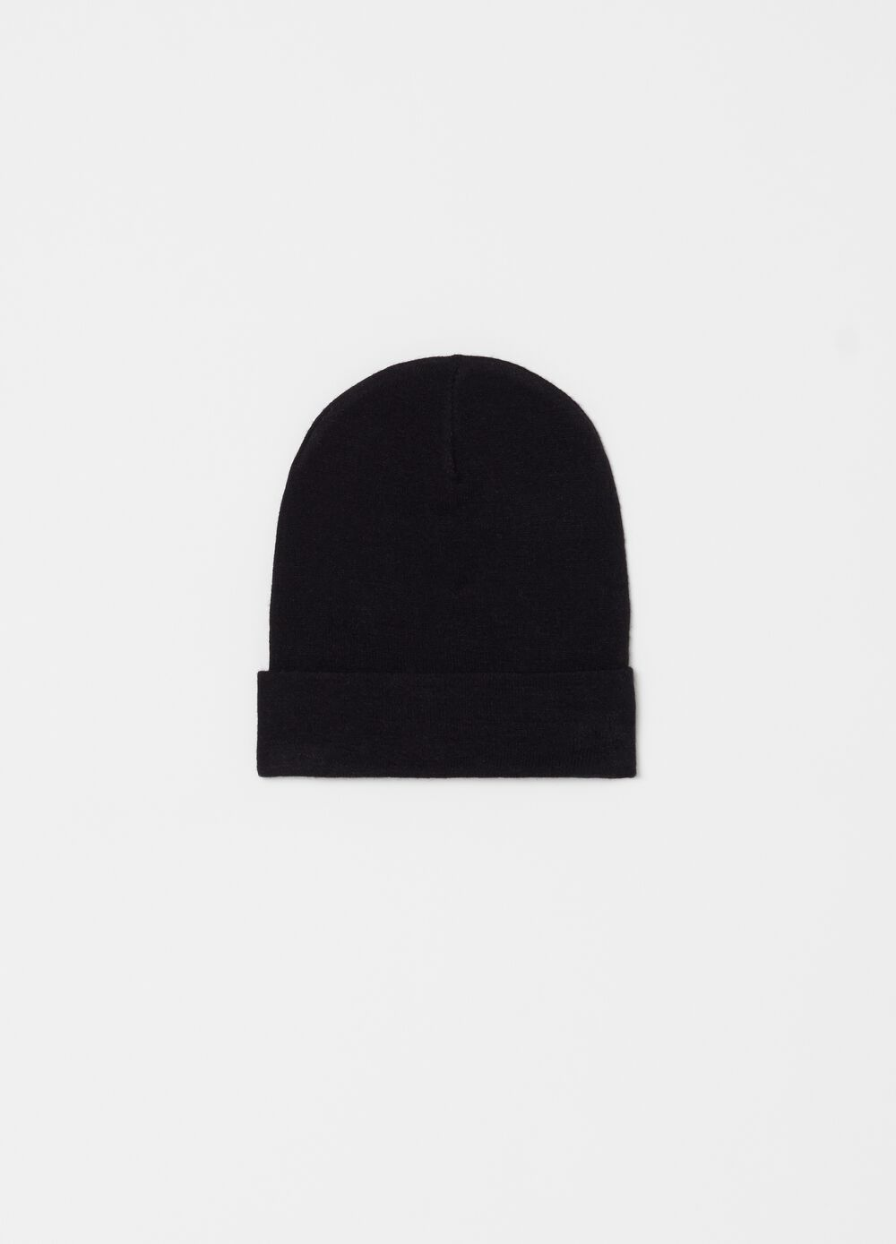 Solid colour soft-touch hat