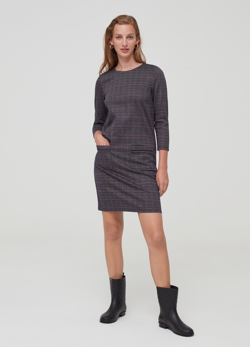 Short stretch dress with pockets image number null