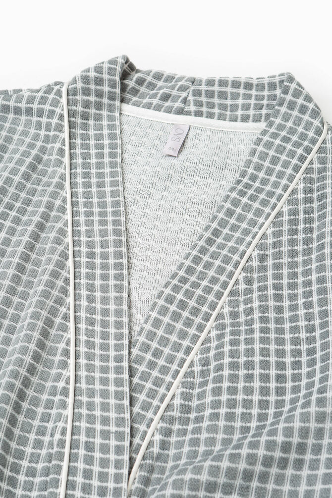 Check pattern dressing gown