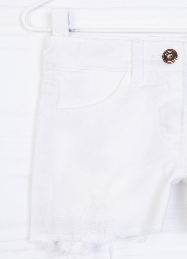 Stretch cotton shorts with fraying | OVS
