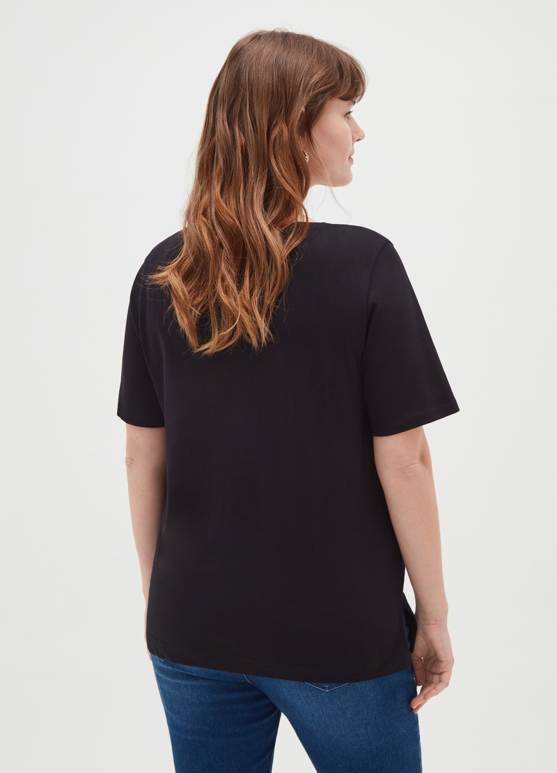 Curvy T-shirt with V neck and print image number null