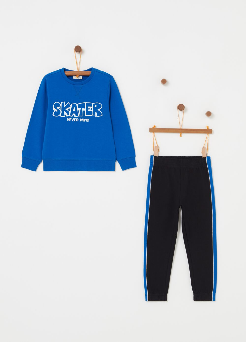 100% cotton jogging set with skate print