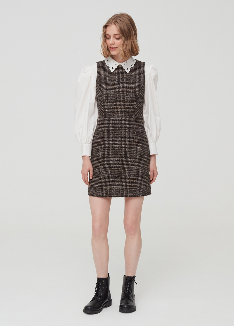 Sleeveless dress with Prince of Wales pattern image number null