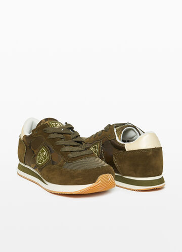Camouflage sneakers with mesh upper