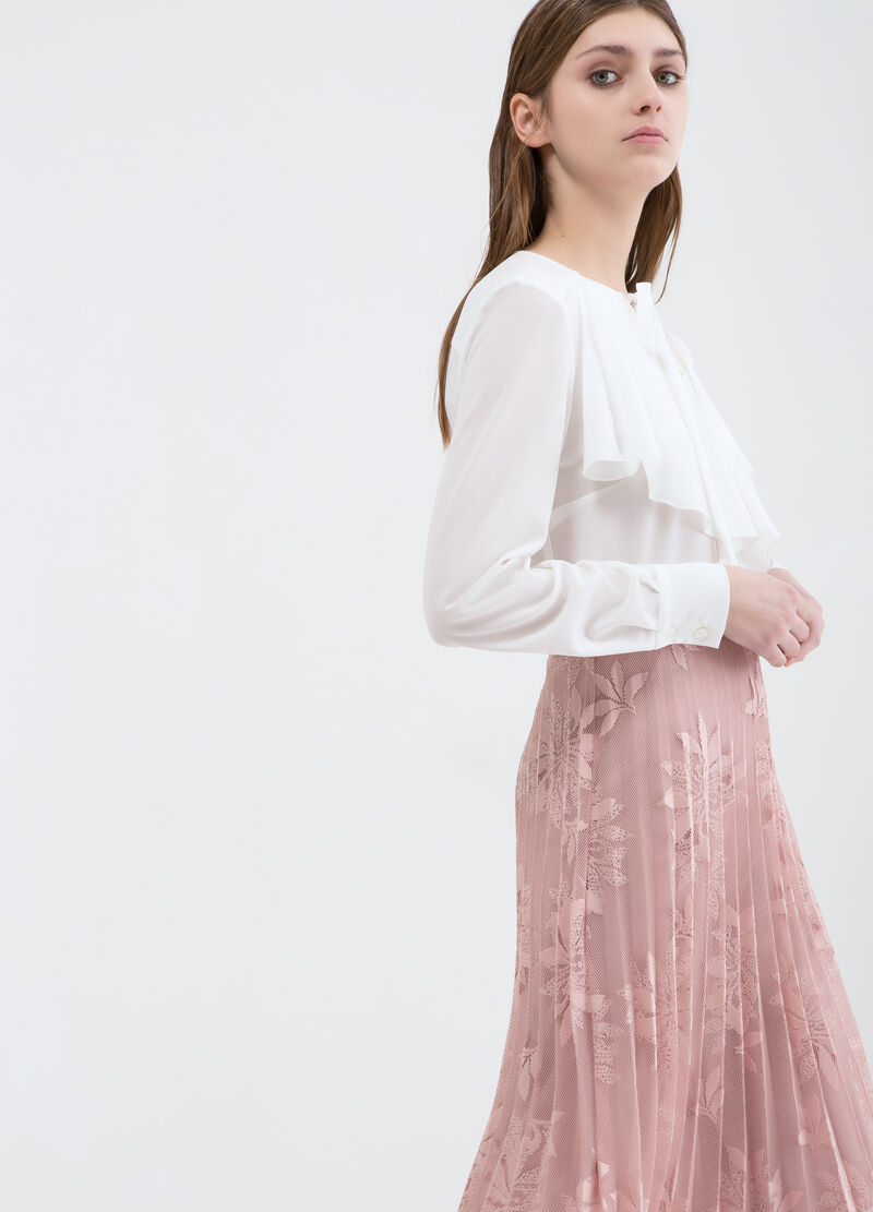 Long skirt with lace appliqué