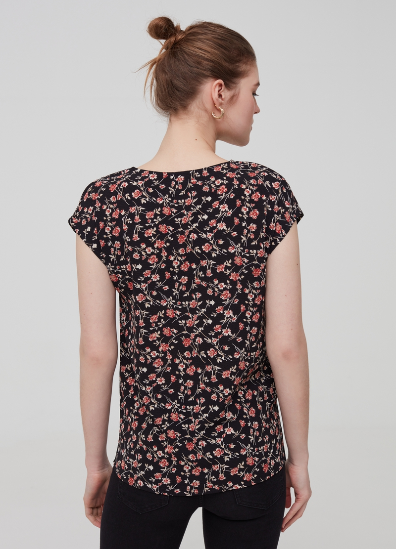 Blouse with patterned lace image number null