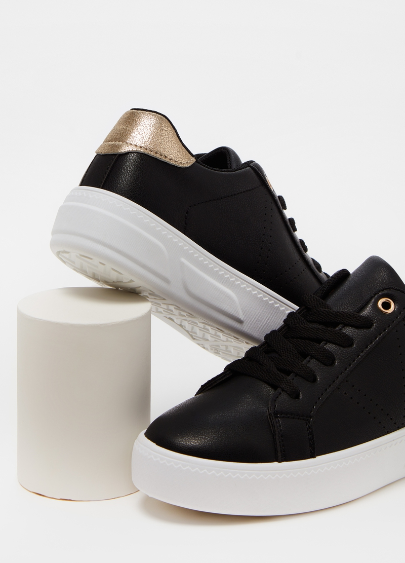 Sneakers suola alta tallone a contrasto image number null
