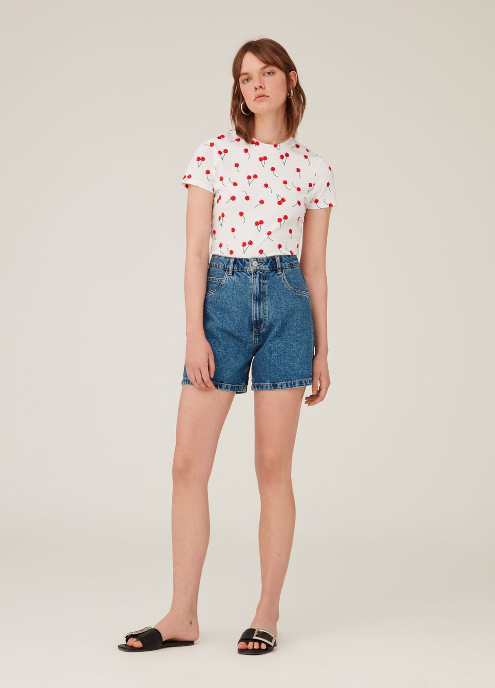 100% cotton T-shirt with cherry pattern